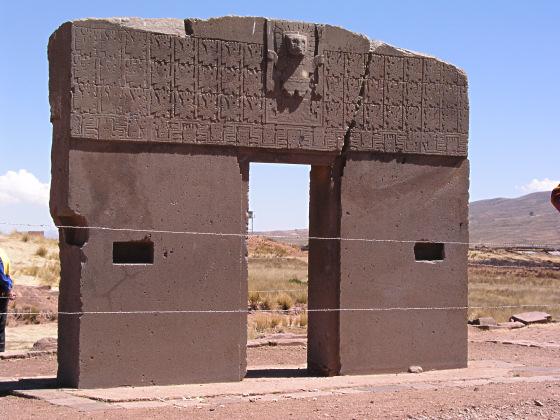 Tour delle rovine pre inca di tiahuanaco vicino la paz in - La porta del sole ...